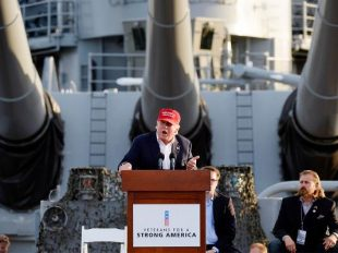 trump-uss-iowa-1200-ts600