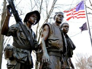 Vietnam-Three-Soldiers-Statue-Pinterest-575x382