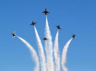 U.S. Air Force Thunderbirds in Daytona Beach, Fla. (AP Photo/John Raoux)